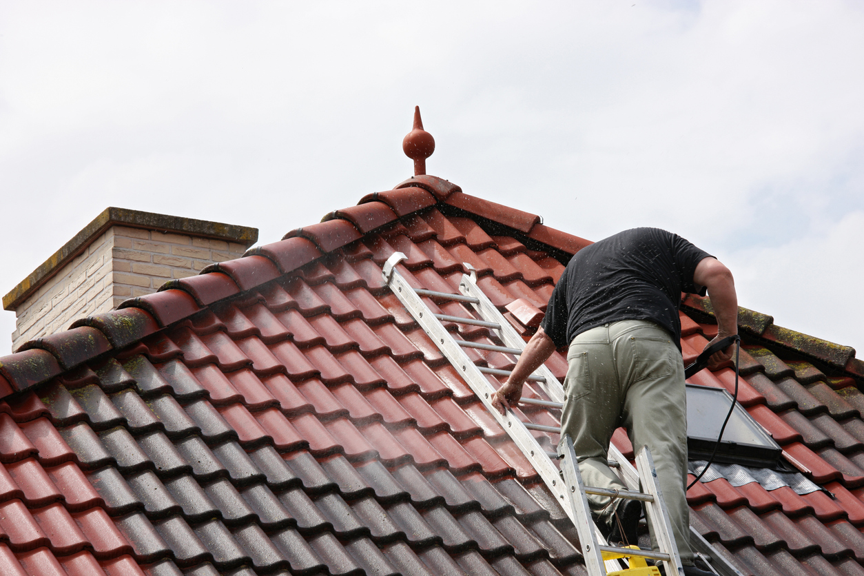 roof cleaning services Solihull